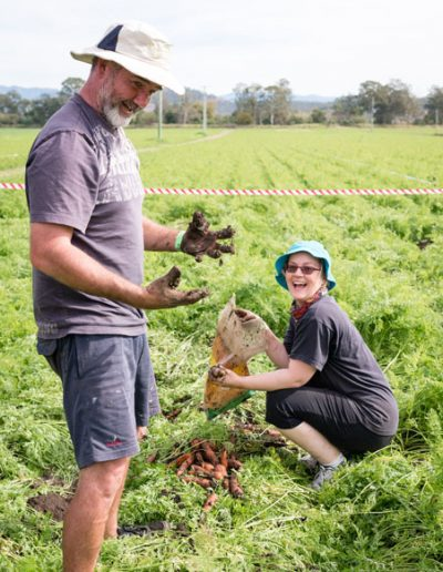 ELW 2018 Just Veg. Carrot Day-1160483 Peter Wickes and Samara Badgery - experienced campaigners from Brisbane